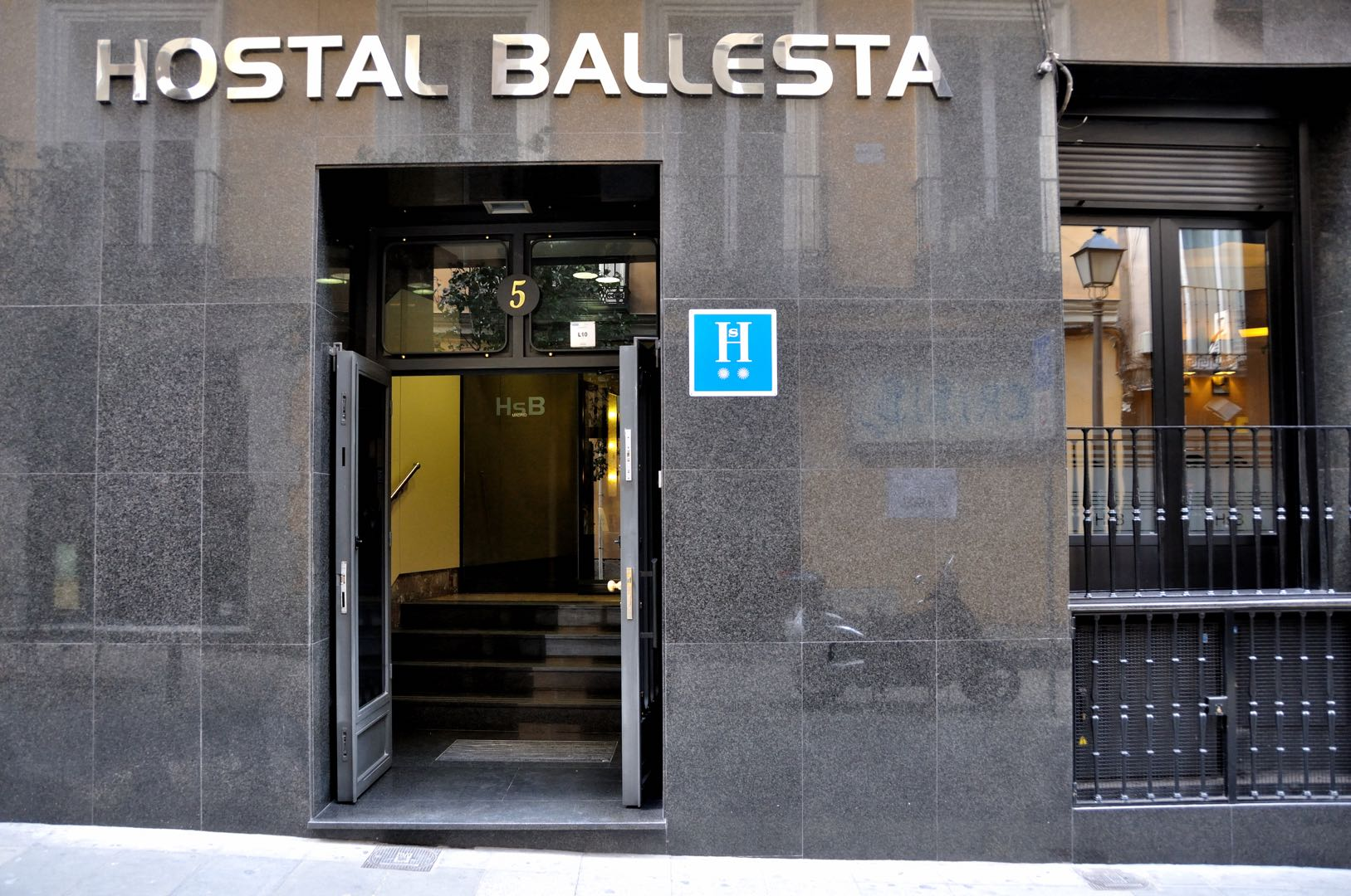 Hostal Ballesta - Madrid